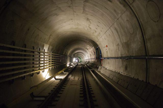 Ελβετία: Εγκαινιάζεται η μεγαλύτερη σιδηροδρομική σήραγγα του κόσμου | tovima.gr