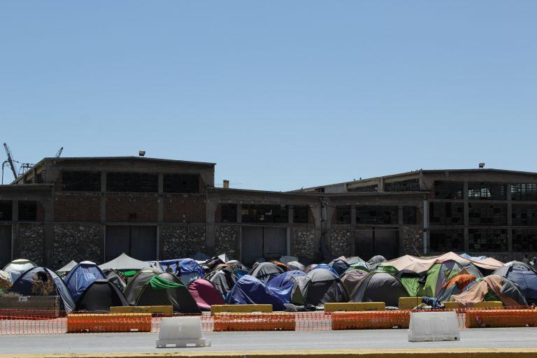 Πάνω από 54.100 πρόσφυγες και μετανάστες στην Ελλάδα | tovima.gr