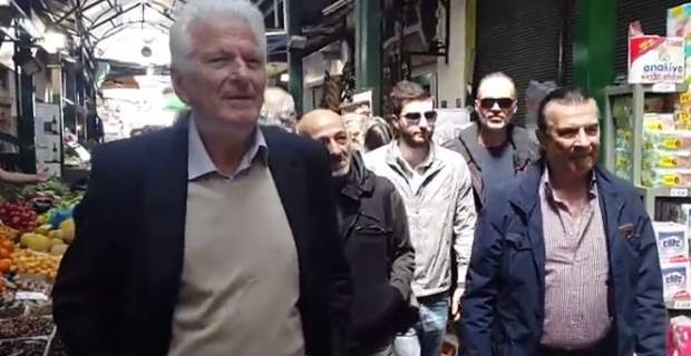 Indignant shop owners hurl abuse at SYRIZA MPs over measures | tovima.gr