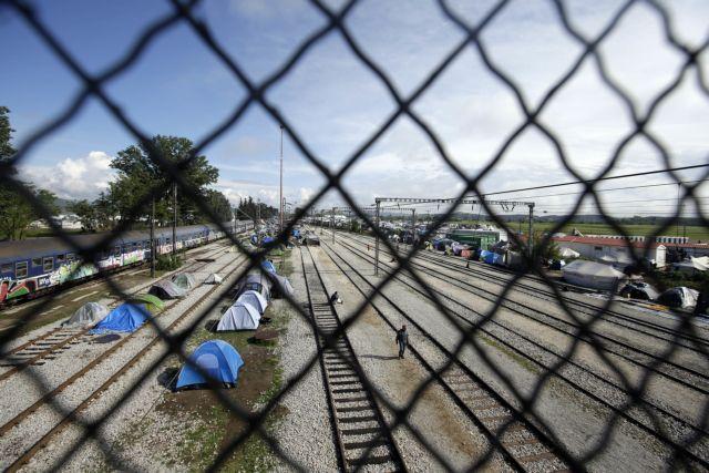 Ευρωβουλευτές: Βελτίωση συνθηκών διαβίωσης για τους πρόσφυγες | tovima.gr