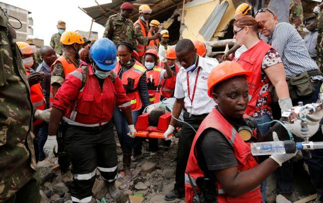 Κένυα: Ανασύρθηκε ζωντανή 6 μέρες μετά την κατάρρευση κτηρίου   tovima.gr