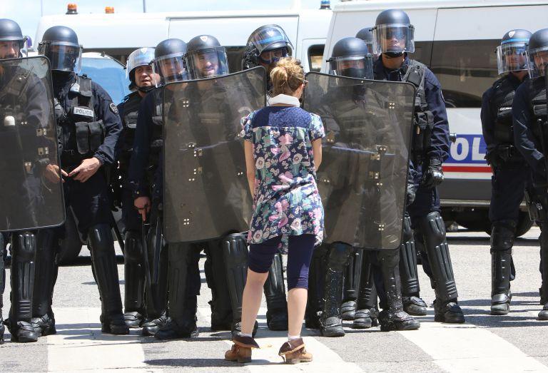 Απαγόρευση κυκλοφορίας σε ακτιβιστές στη Γαλλία – Εν μέσω διαδηλώσεων για τα Εργασιακά   tovima.gr