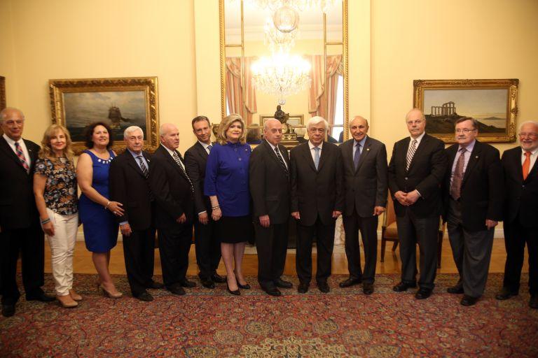 Με αντιπροσωπεία της AHEPA συναντήθηκε ο Πρόεδρος της Δημοκρατίας | tovima.gr