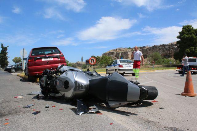 Σκοτώθηκε 29χρονος αστυνομικός σε τροχαίο στη Θεσσαλονίκη | tovima.gr
