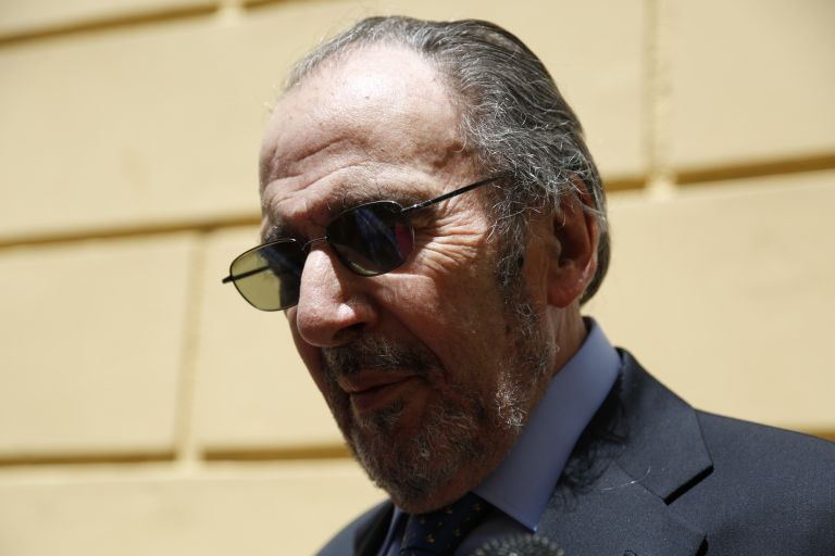Μαρτίνης: Στο εδώλιο για απιστία ο πρώην πρόεδρος του Ερ. Ντυνάν | tovima.gr