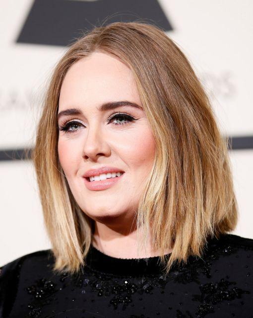 Συμβόλαιο – μαμούθ για την δημοφιλή τραγουδίστρια Adele | tovima.gr