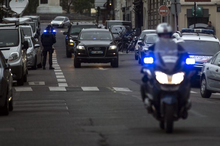 Σιωπή Αμπντεσλάμ ενώπιον γάλλων εισαγγελέων για επιθέσεις στο Παρίσι   tovima.gr