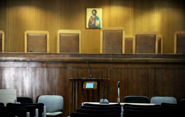 Ως το τέλος του μήνα συνεχίζουν την αποχή οι δικηγόροι της Αθήνας | tovima.gr