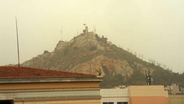 Η αφρικανική σκόνη «επνιξε» την Αθήνα-Φθινοπωρινό το σκηνικό την Κυριακή   tovima.gr