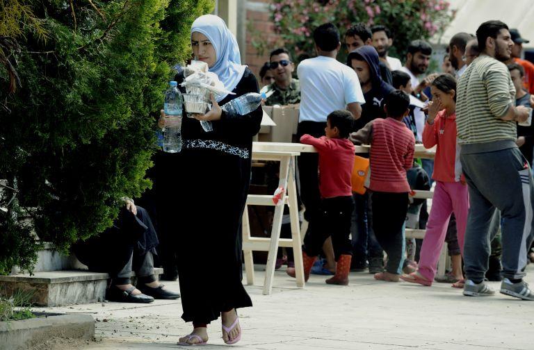 Πειραιάς: Μαζικά στο νοσοκομείο δεκάδες πρόσφυγες | tovima.gr