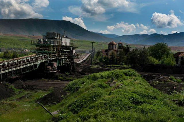Περικυκλώνει οικισμούς η ΔΕΗ | tovima.gr