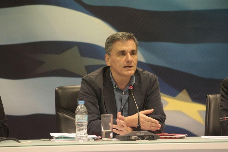 Τσακαλώτος: Ανοίγει ο δρόμος για προσέλκυση επενδύσεων   tovima.gr