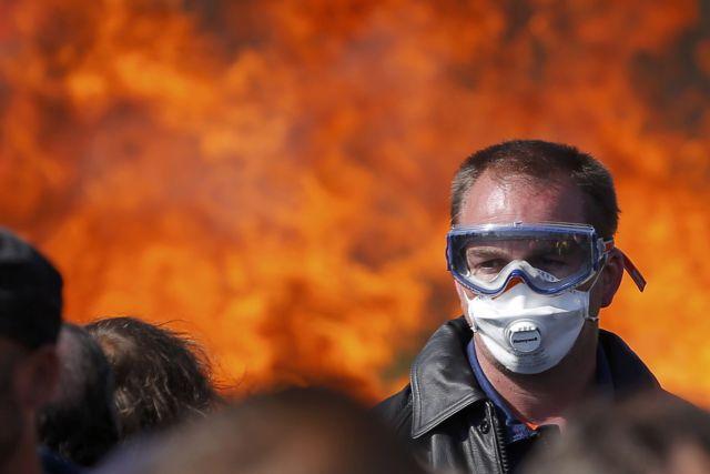 Γαλλία: Εβδομάδα «πολέμου», στα χαρακώματα Ολάντ – συνδικάτα | tovima.gr