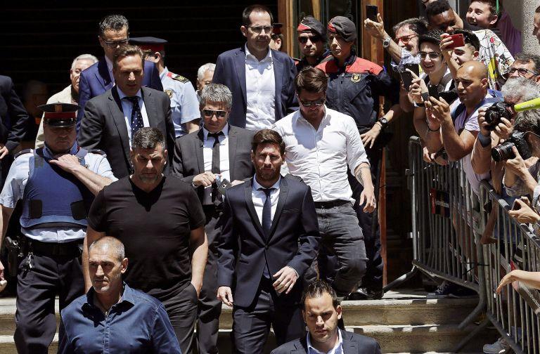 Ποινή φυλάκισης 21 μηνών στον Μέσι και τον πατέρα του | tovima.gr