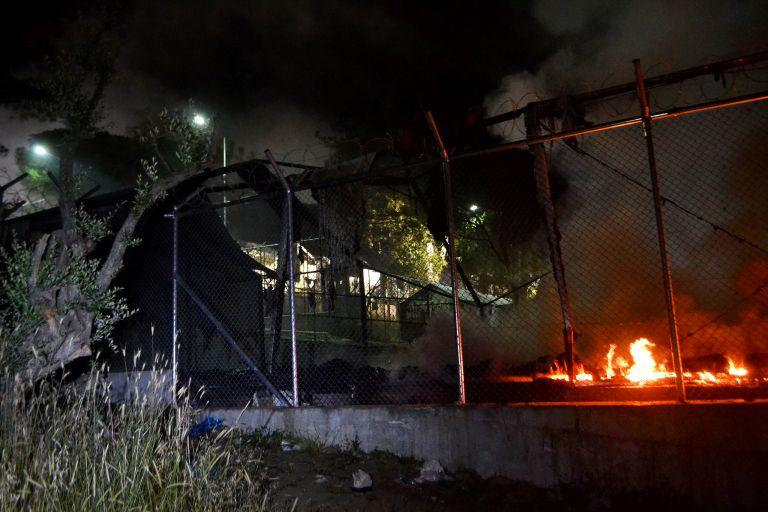 Violence breaks out at refugee hospitality center on Samos | tovima.gr