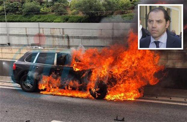 Newspaper publisher P. Mavrikos burned alive in car on Attiki Odos | tovima.gr