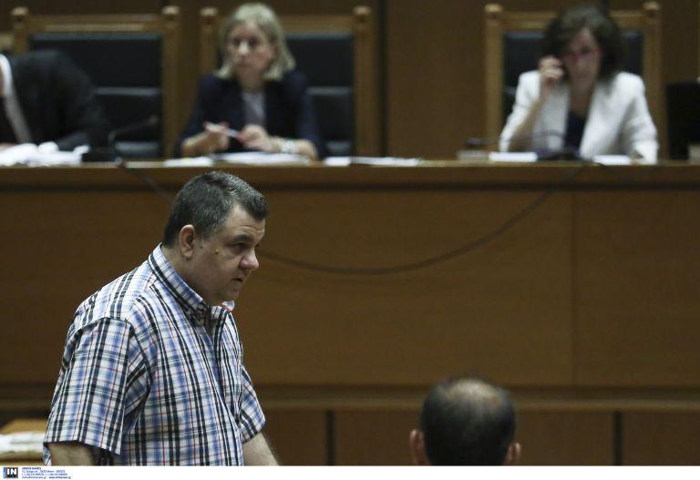 Τραμπουκισμοί Ρουπακιά την πρώτη ημέρα της δίκης της Χ.Α. στο Εφετείο | tovima.gr