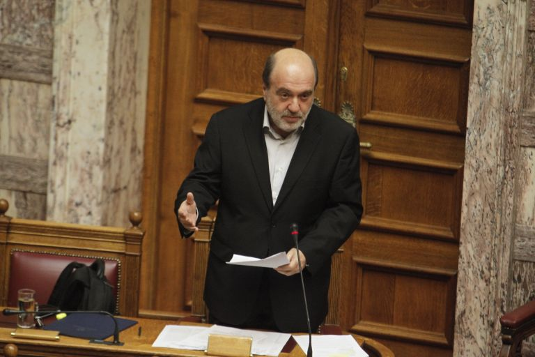 Αλεξιάδης: Τα έσοδα πάνε καλά, δεν θα χρειαστεί ο «κόφτης» | tovima.gr