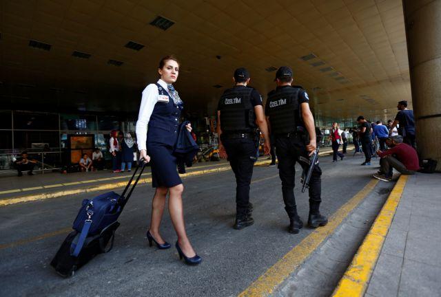Σύρος φωνάζει Αλάχου Άκμπαρ και σπέρνει πανικό στο αεροδρόμιο της Αττάλειας   tovima.gr