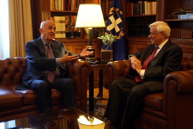Προσφυγικό-τρομοκρατία στη συνάντηση Παυλόπουλου-λιβανέζου πρόεδρου | tovima.gr