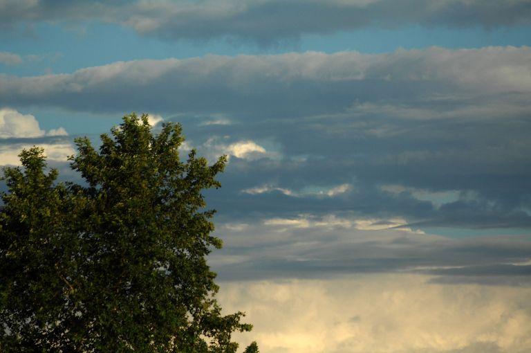 Αίθριος καιρός, με βροχές και καταιγίδες στα δυτικά | tovima.gr
