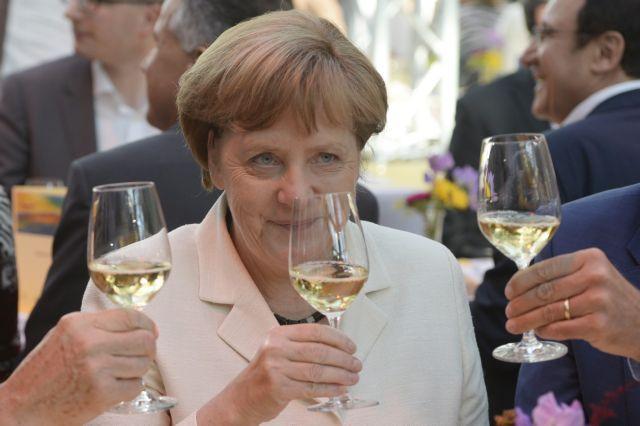 Γερμανία: Ανεβαίνουν Ευρώπη-Μέρκελ, πέφτουν οι λαϊκιστές λόγω Brexit   tovima.gr