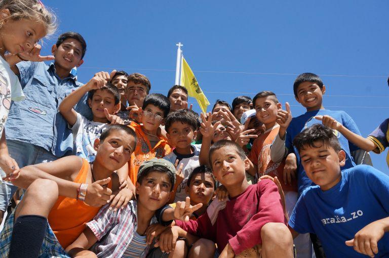 Ασυνόδευτα παιδιά προσφύγων σε κρατητήρια ελλείψει ειδικών χώρων | tovima.gr