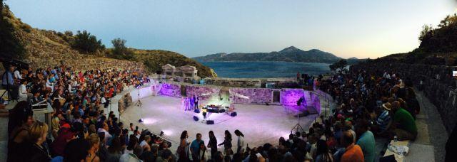 «Λίφτινγκ» στο αρχαίο θέατρο Μήλου   tovima.gr