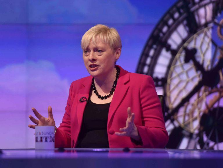 Βρετανία: Την ηγεσία των Εργατικών διεκδικεί και επίσημα η Άντζελα Ιγκλ | tovima.gr