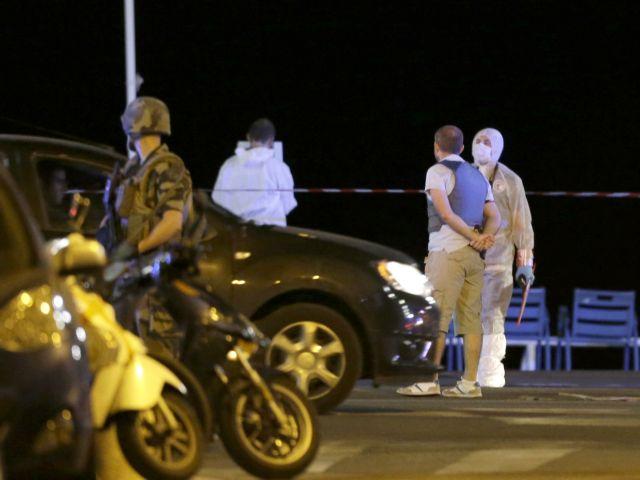 Επεισόδια στο Παρίσι μετά το θάνατο νεαρού στα χέρια της αστυνομίας | tovima.gr