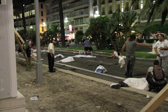 Νίκαια: «Άνθρωποι έπεφταν σαν κορύνες του μπόουλινγκ»   tovima.gr