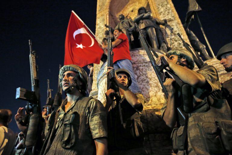 Αίτημα για διοικητική απέλαση των δύο Τούρκων που μπήκαν στον Έβρο   tovima.gr