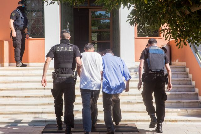 Tension in Alexandroupoli during trial of Turkish officers | tovima.gr