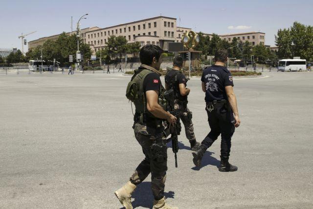 Τουρκία: Συγκρούσεις μεταξύ δυνάμεων ασφαλείας και πραξικοπηματιών   tovima.gr