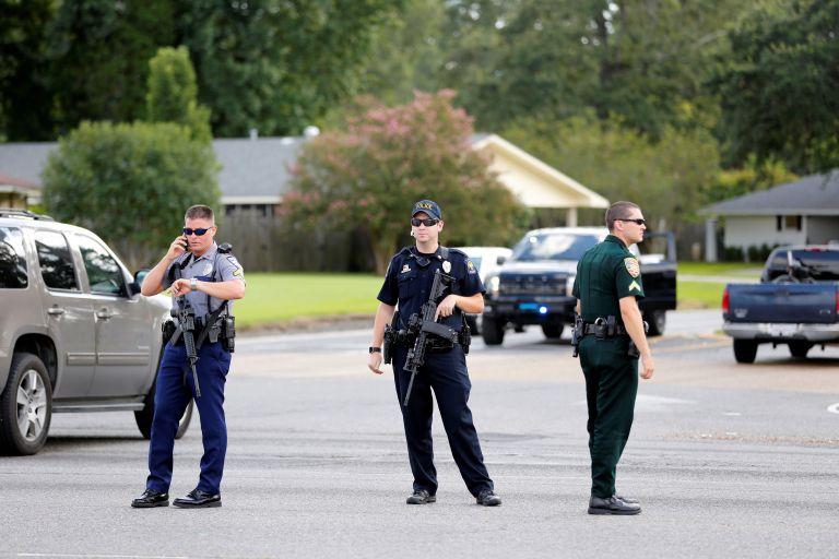 ΗΠΑ: Τρεις αστυνομικοί νεκροί από πυρά στη Λουιζιάνα | tovima.gr