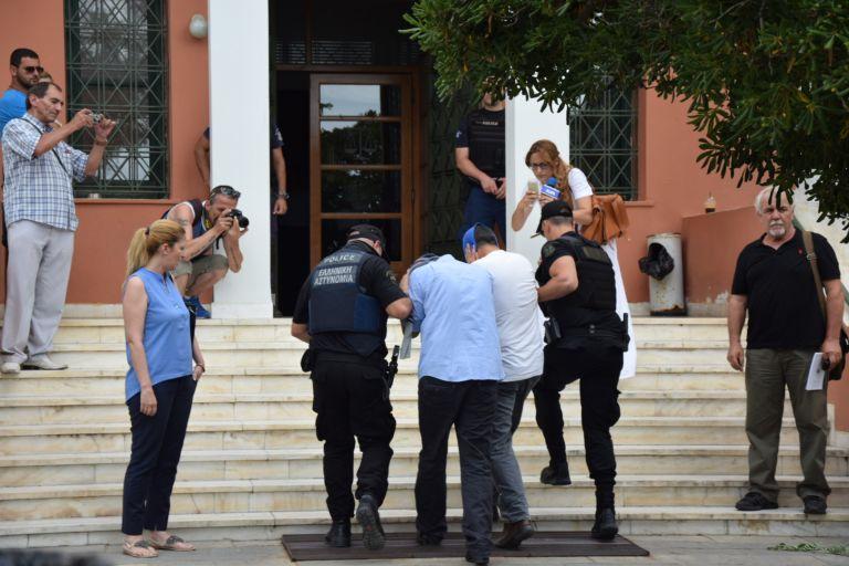 Εκδήλωση κατά της έκδοσης των οκτώ Τούρκων αξιωματικών | tovima.gr