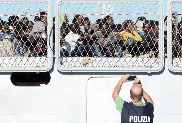 Πάνω από 3.400 πρόσφυγες διασώθηκαν την Παρασκευή ανοιχτά της Λιβύης | tovima.gr