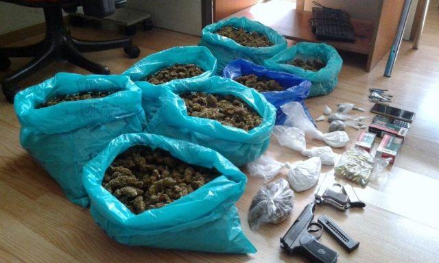 Τρεις συλλήψεις για διακίνηση ναρκωτικών σε Αττική και Μύκονο | tovima.gr