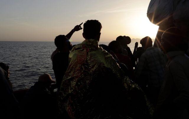 Νεκρούς πρόσφυγες μετέφερε ισπανικό πλοίο στην Ιταλία | tovima.gr