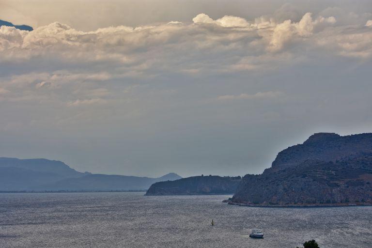Καιρός – Κυριακή: Πιθανότητα βροχών στα Δυτικά | tovima.gr