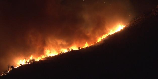 Χανιά : Υπό μερικό έλεγχο η φωτιά στα Φαλάσαρνα | tovima.gr