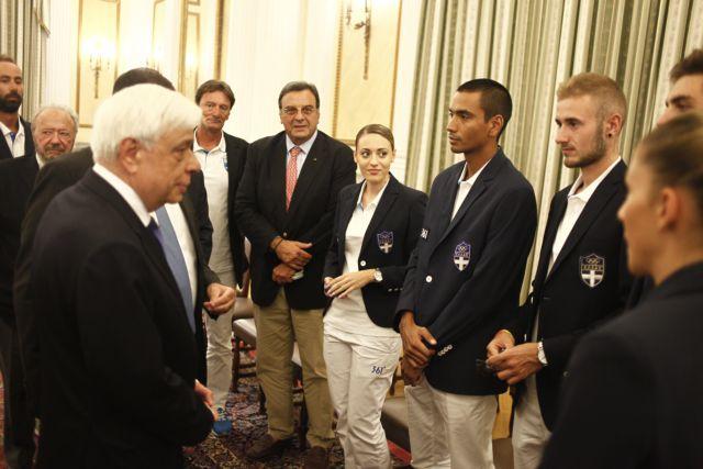 President Pavlopoulos receives Olympic medalist Korakaki | tovima.gr