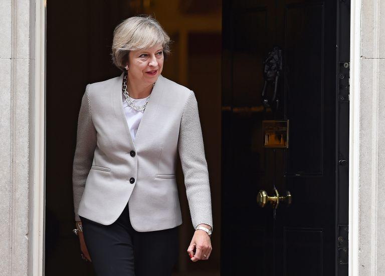 Βρετανία: Η Τερέζα Μέι απείλησε τους Τόρις με πρόωρες εκλογές | tovima.gr