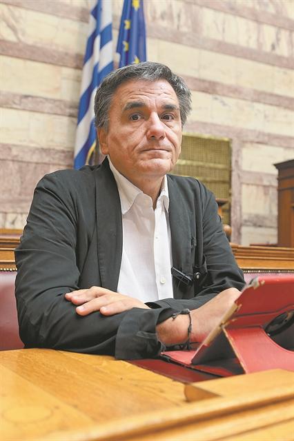 «Επιταγές» Τσίπρα μετά τις συντάξεις για τη μηχανή των εκλογών | tovima.gr