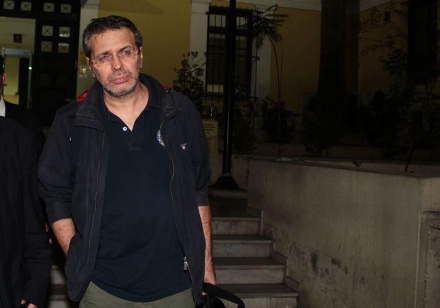 Ο Σ. Χίος πυροβόλησε στον αέρα για να εκφοβίσει δικαστικό επιμελητή | tovima.gr