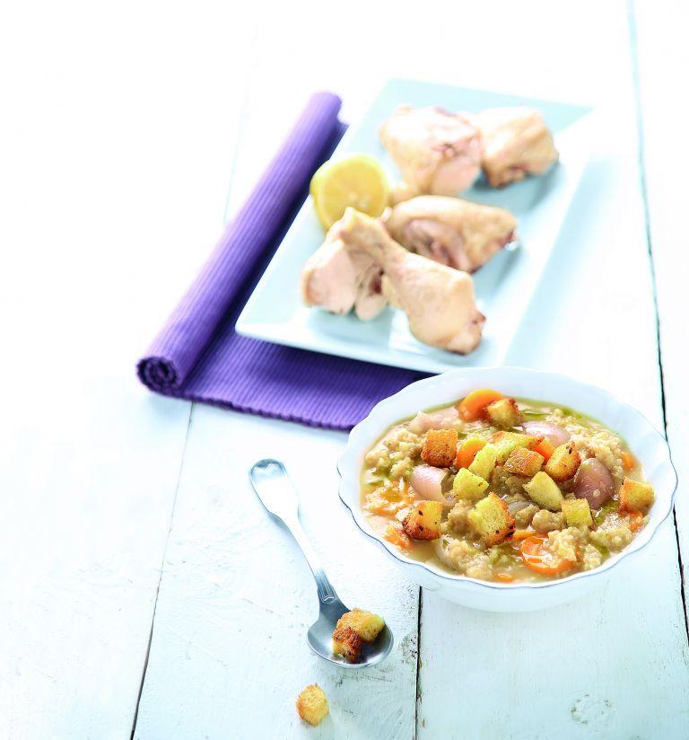 Κοτόσουπα με ξινόχοντρο και δίκταμο | tovima.gr