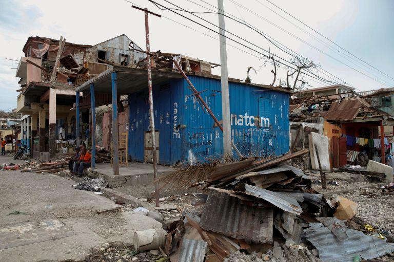 Στους 339 οι νεκροί στην Αϊτή του κυκλώνα Μάθιου, που αγγίζει πλέον τη Φλόριντα | tovima.gr