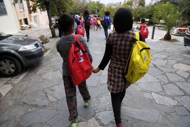 "Chios: Parents association calls ""referendum"" for refugee children | tovima.gr"