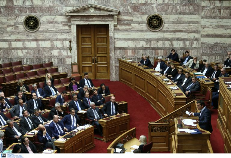 Parliamentary debate on corruption and vested interests turns personal | tovima.gr