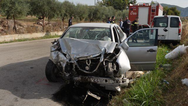 Τρεις νεκροί σε τροχαίο έξω από την Ανδραβίδα | tovima.gr